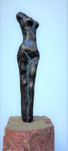 Bronze, 14cm auf Stein